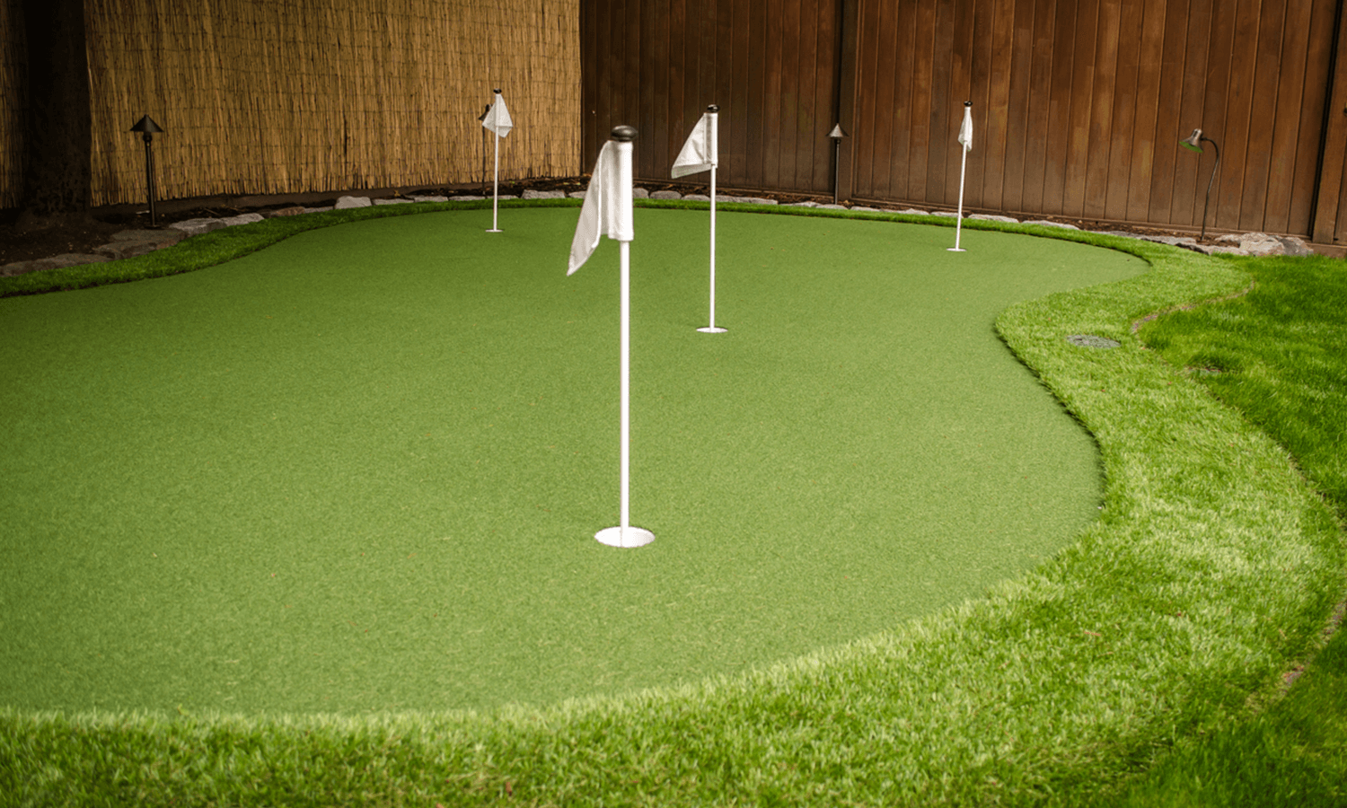 Landscape ConstructionGolf Course quality design, shape of artificial and real turf